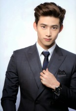 taecyeon-2pm-hairstyle-perspective-2